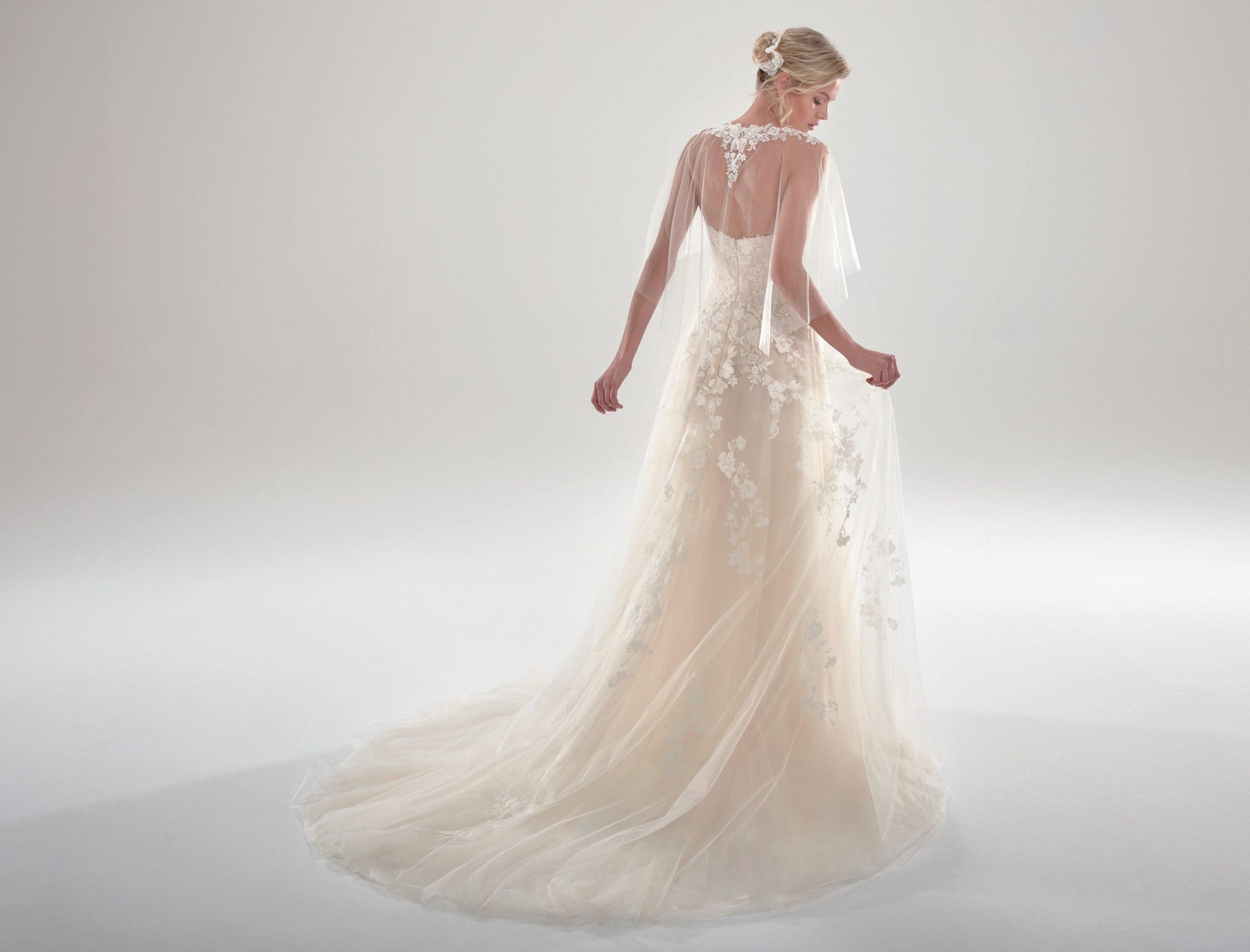 Brautkleid A-Linie fließend